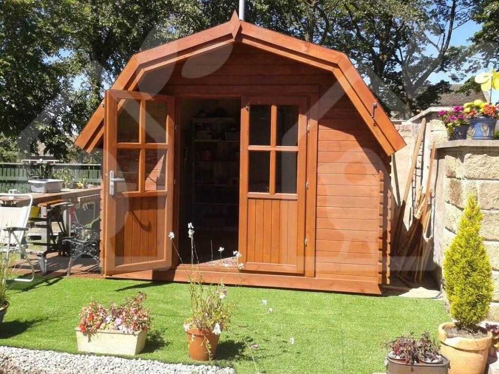 Pour la porte de votre abri de jardin en bois
